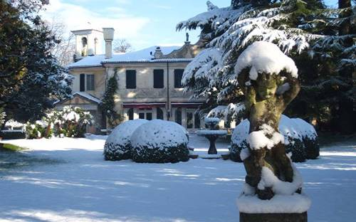 Hotel Villa Luppis in the Snow