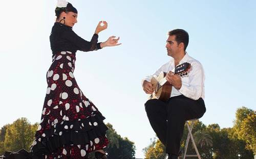 Flamenco dancer & guitarist